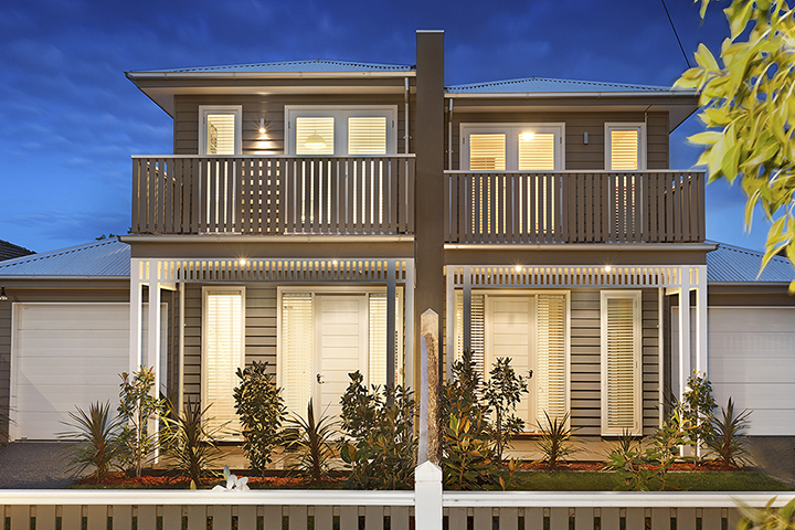 dual-occupancy-builders-Melbourne-dusk-homebuilders